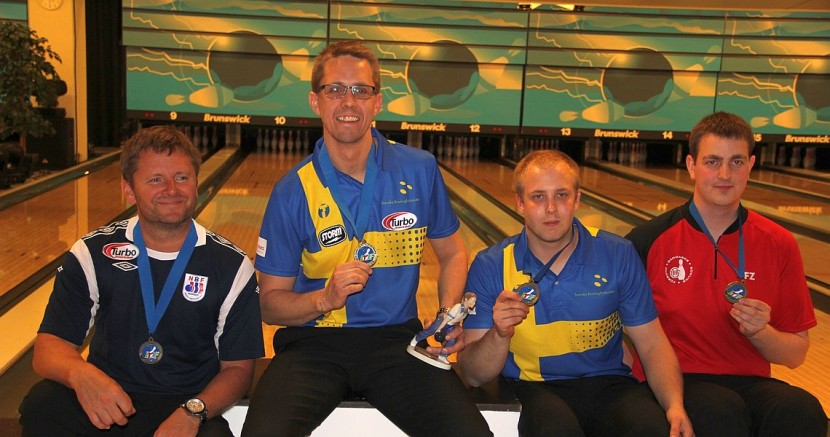 Larsen sweeps Torgersen to win Masters title at 2015 MEC