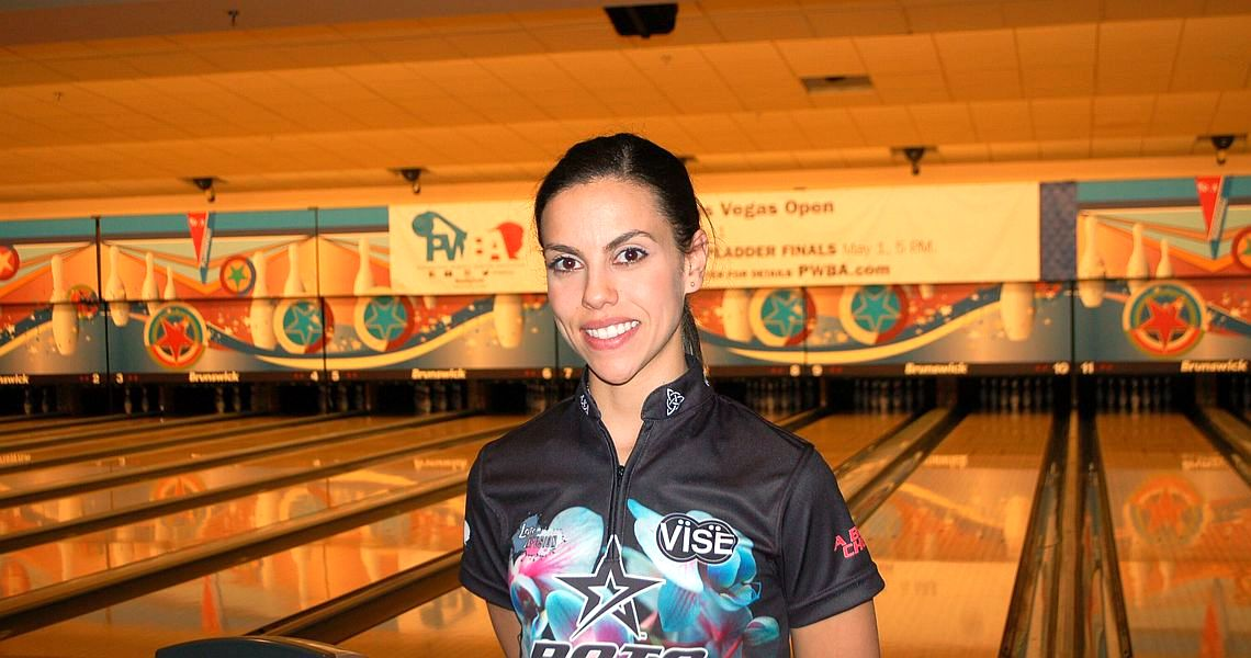 Rocio Restrepo leads opening round of PWBA Las Vegas Open