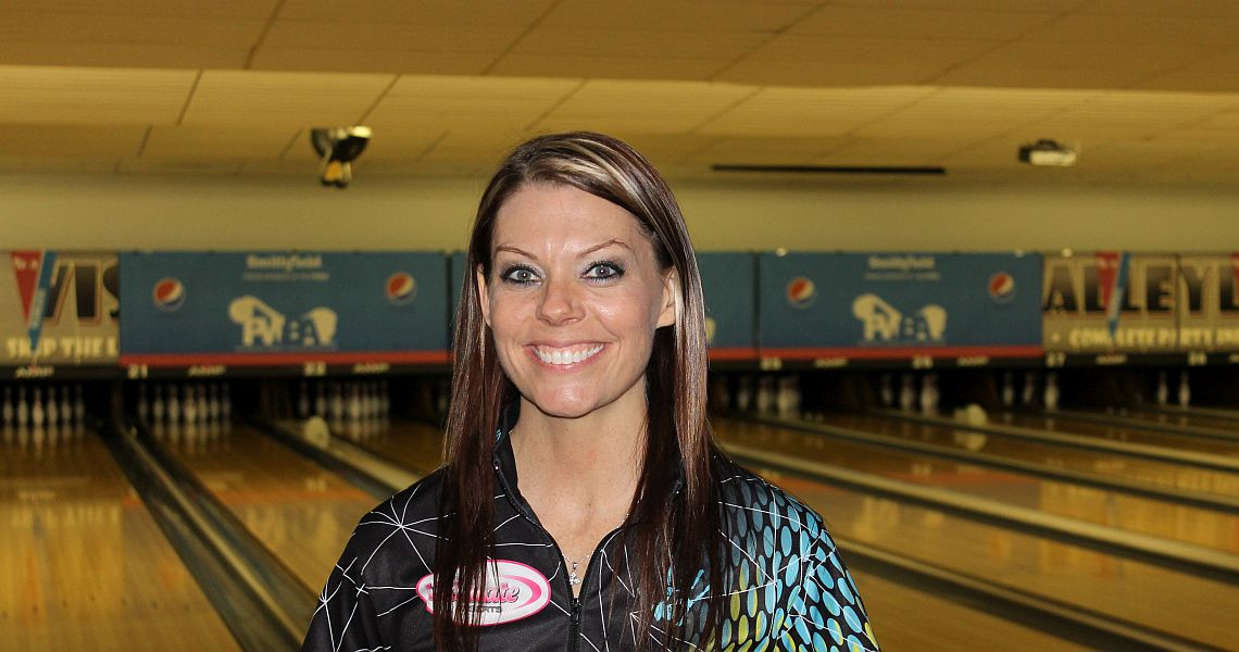 Shannon O'Keefe cruises into lead at Pepsi PWBA Lincoln Open