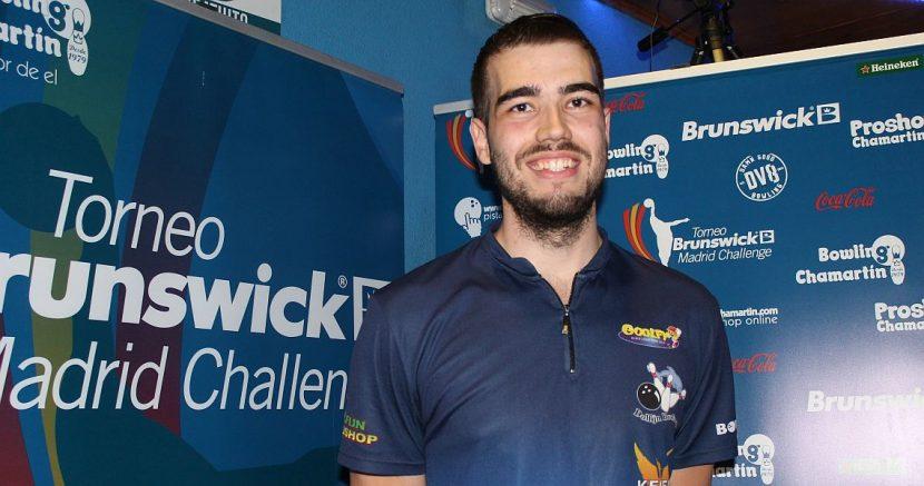 Jeroen van Geel shoots into the lead in Brunswick Madrid Challenge