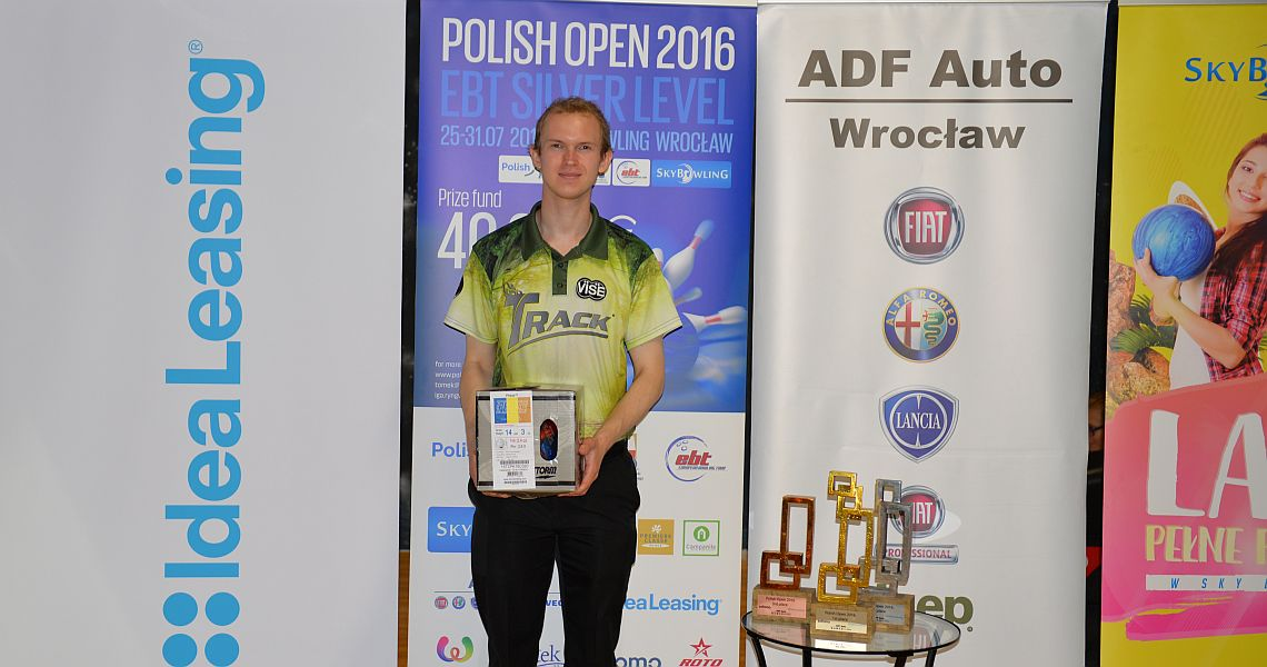 Larsen, Ratia, Teece move to the top in Wroclaw