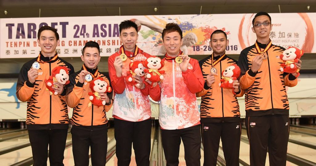 2016 Asian Championships Men's Doubles medalists - from left, Timmy Tan & Adrian Ang (Malaysia, 2nd), Michael Mak & Wu Siu Hong (Hong Kong; 1st), Rafiq Ismail & Syafiq Ridhwan (Malaysia, 3rd).