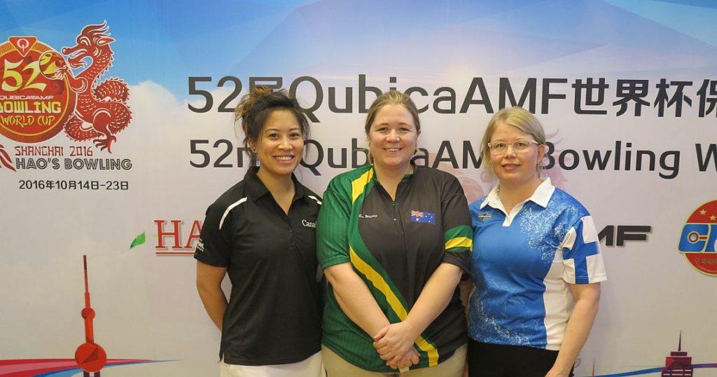 Women B Squad after 5 games: Top 3 L-R Felicia Wong (CAN), Rebecca Whiting (AUS) and Krista Pöllänen (FIN).