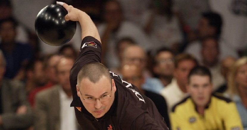 Mike DeVaney rolls into PBA Chameleon Championship qualifying lead
