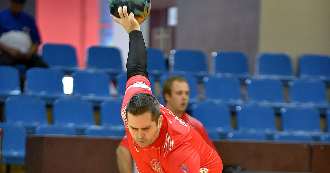 Canadian David Simard cracks top 10 in Qatar Bowling Open