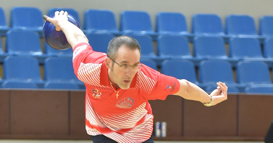 Team USA's John Janawicz moves to the top in Qatar Open