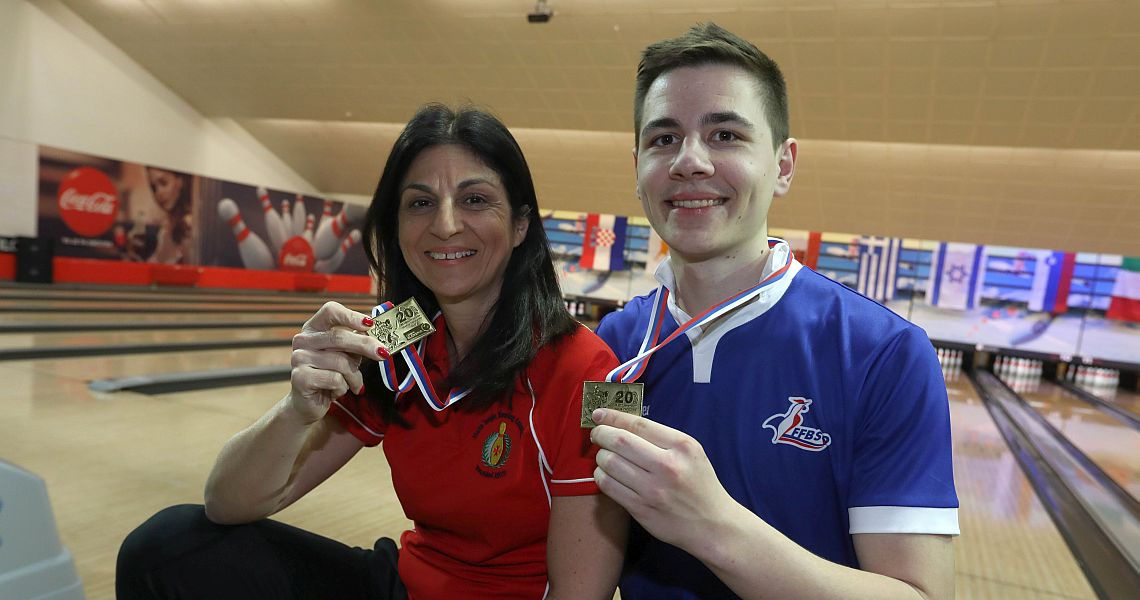 Sue Abela, Valentin Saulnier kick off MBC with victory in Singles