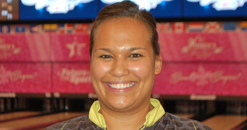 Ohio bowler uses big final game to take Ruby Singles lead