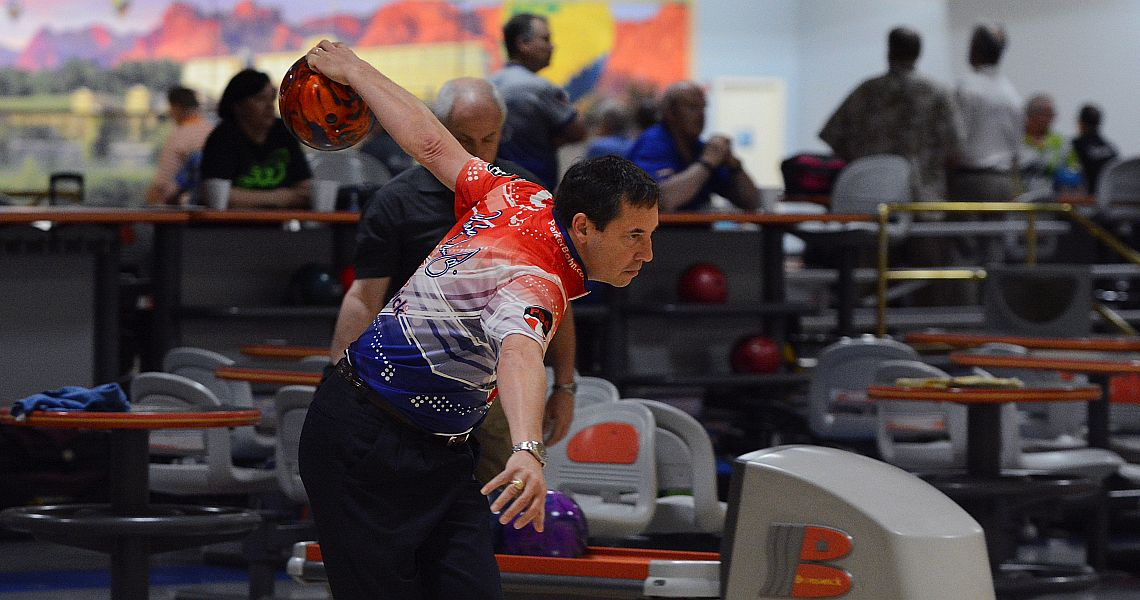 Parker Bohn III takes Dave Small's Championship Lanes Classic first round lead