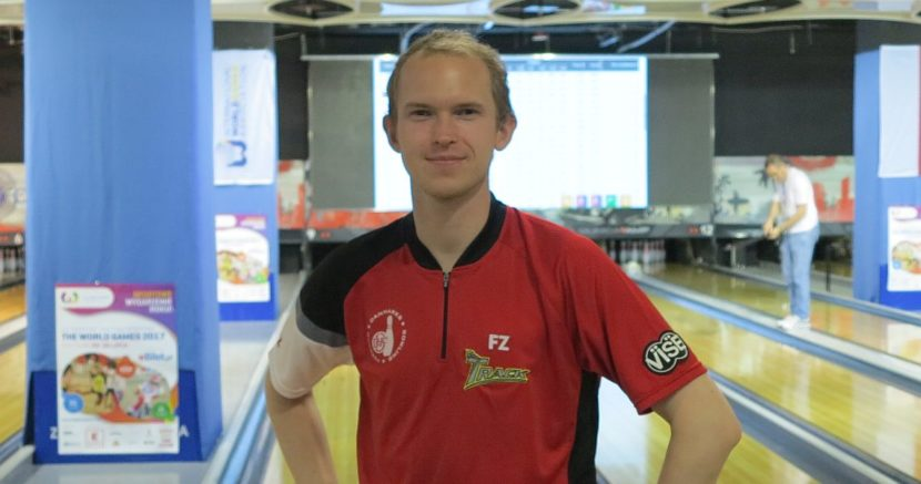 Thomas Larsen achieves perfection; leads top 16 men into match play