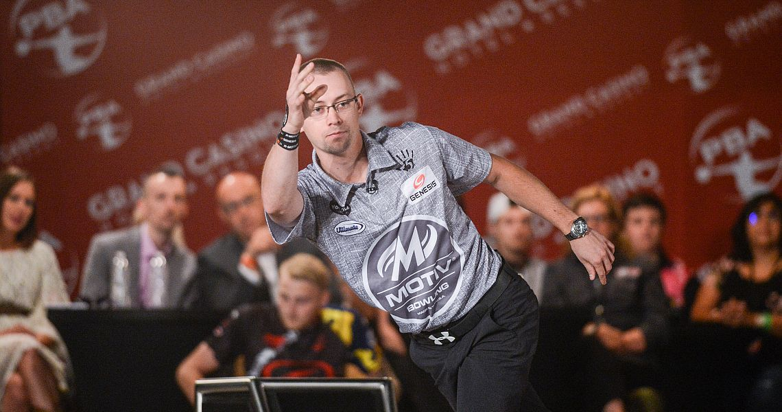 Chris Via takes first round lead in Xtra Frame Kenn-Feld Group Classic