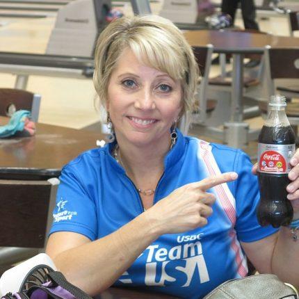 Lynda Barnes wins her third gold medal in WSrC Masters