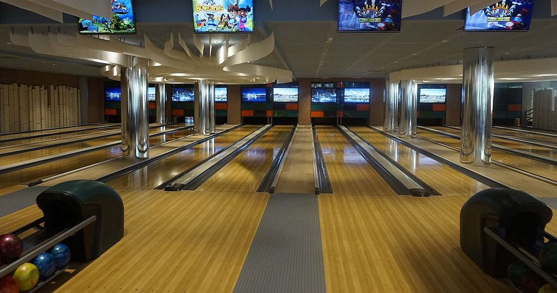 Villages Nature Paris adds the Magic of Bowling to Local Resort