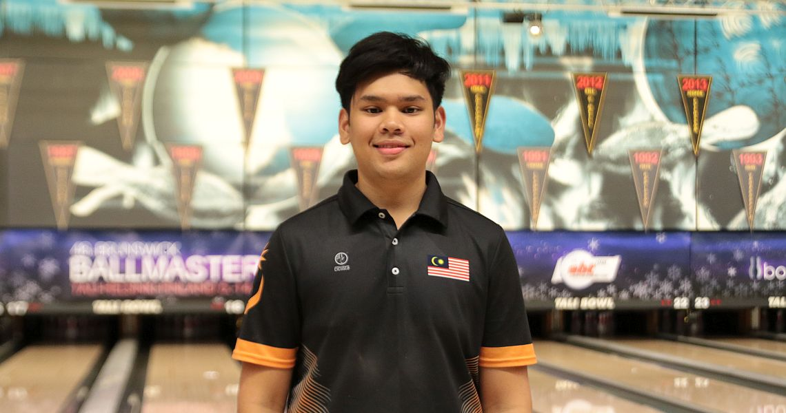Malaysia's Rafiq Ismail averages 260 to lead top 16 into the Group Phase