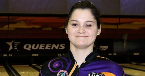 Daria Kovalova leads after first round of 2018 USBC Queens