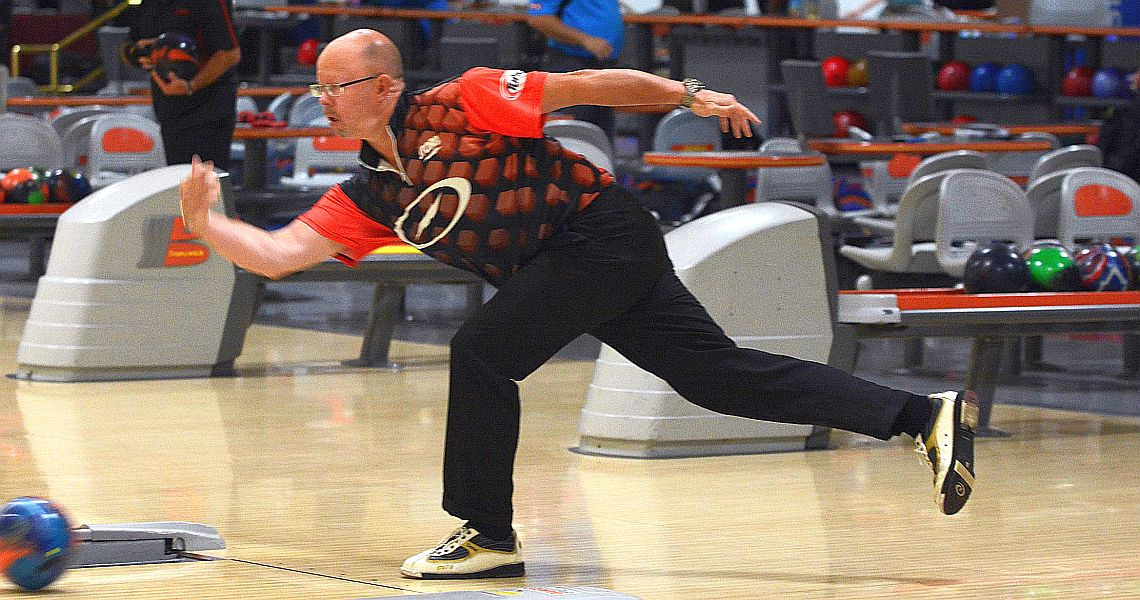 Brunt, Graham lead after first round in PBA50 River City Extreme Open