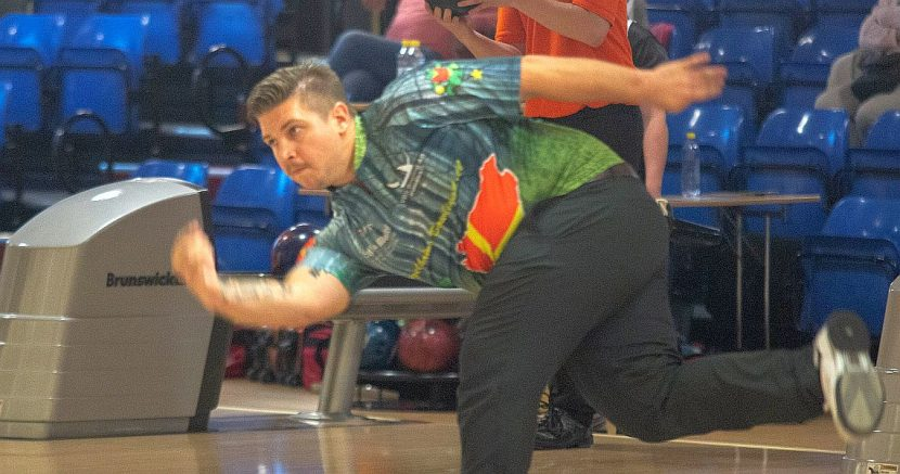 Dane Jimmy Mortensen continues to lead qualifying at Lucky Larsen Masters