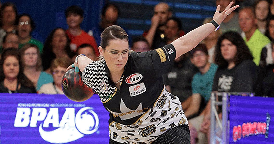 Liz Kuhlkin leads, Rocio Restrepo bounces back at PWBA Twin Cities Open